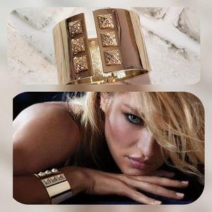 VS Limited Edition Scandalous Goldtone Cuff